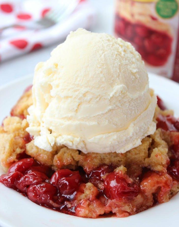 slowcooker cherrydumpcake