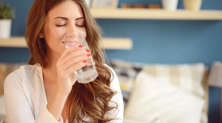 7 Things That Might Happen If You Drink a Glass of Water First Thing in the Morning