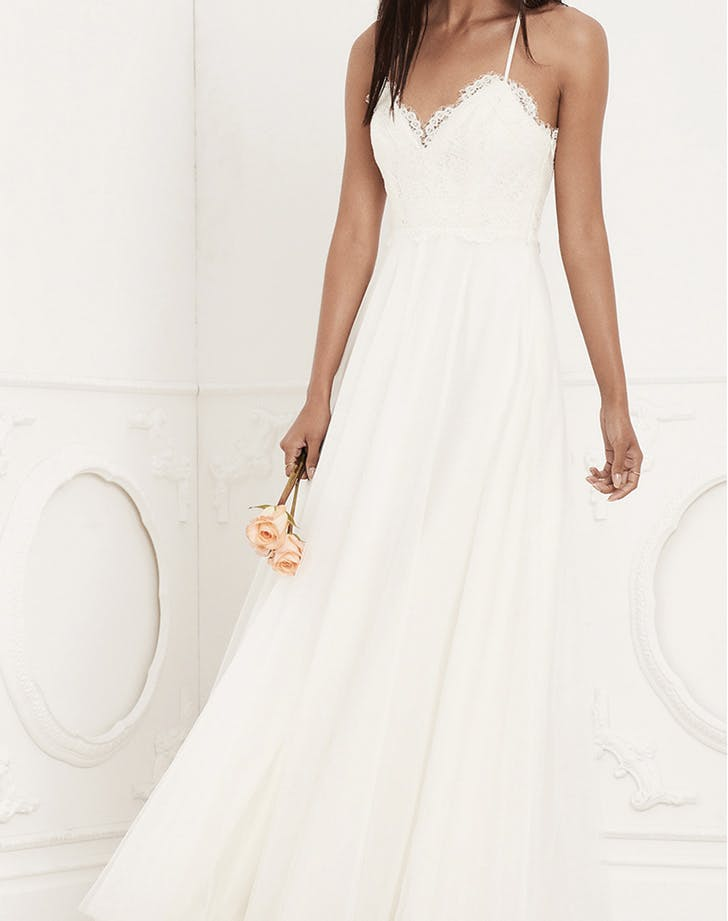wedding dress lovers friends