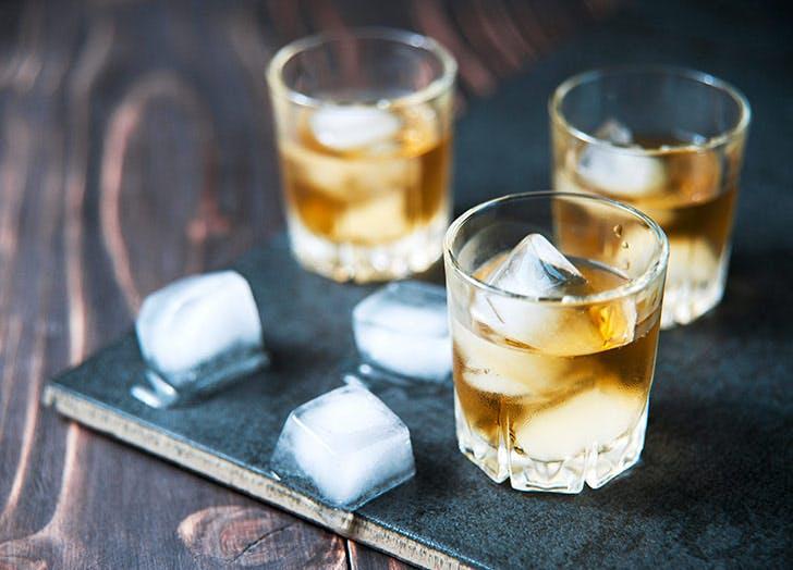 whiskey rocks ice cubes 728