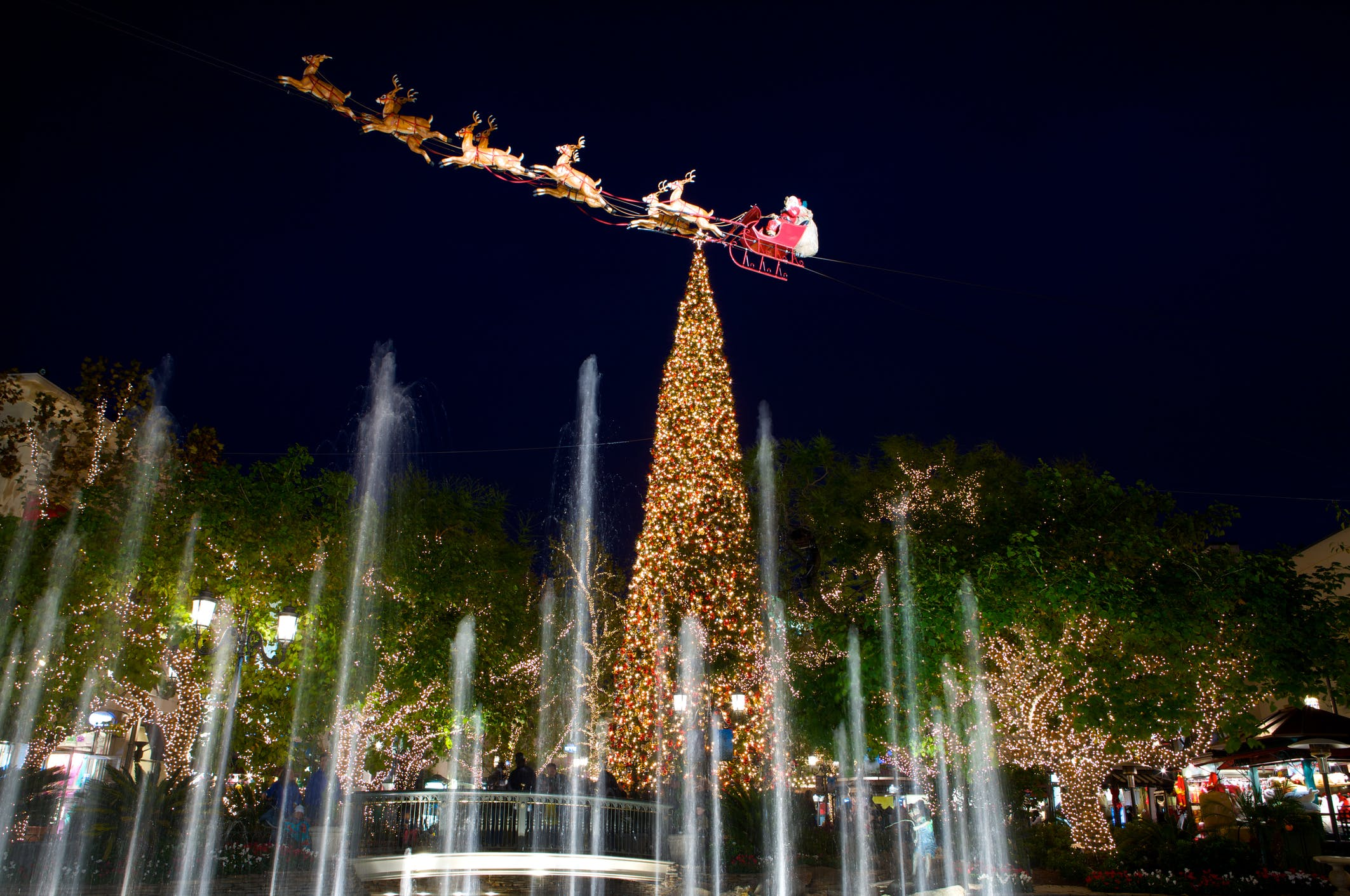 1 the grove tree lighting los angeles christmas holiday guide