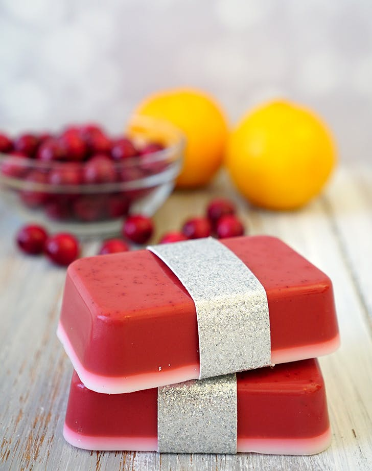 DIYgifts cranberrysoap