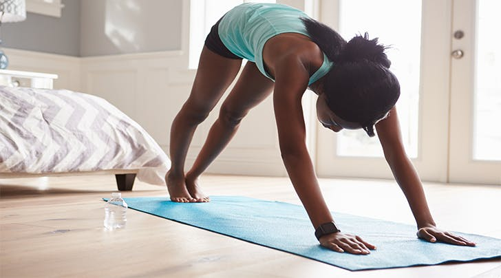 The 20-Minute Holiday Workout You Can Do in Your Childhood Bedroom