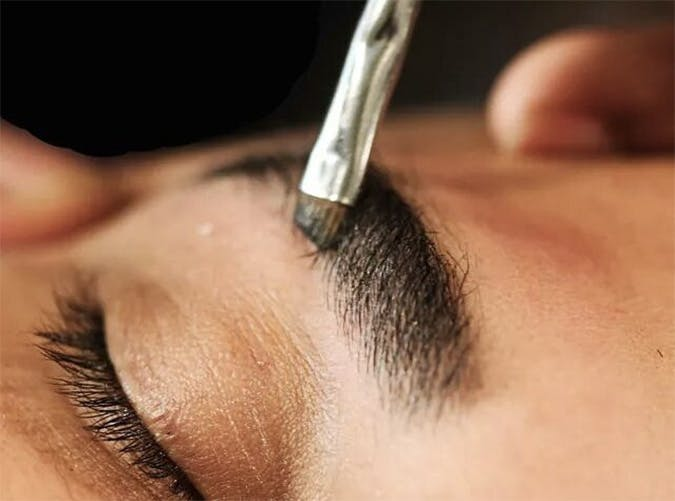 damone roberts brow shaping