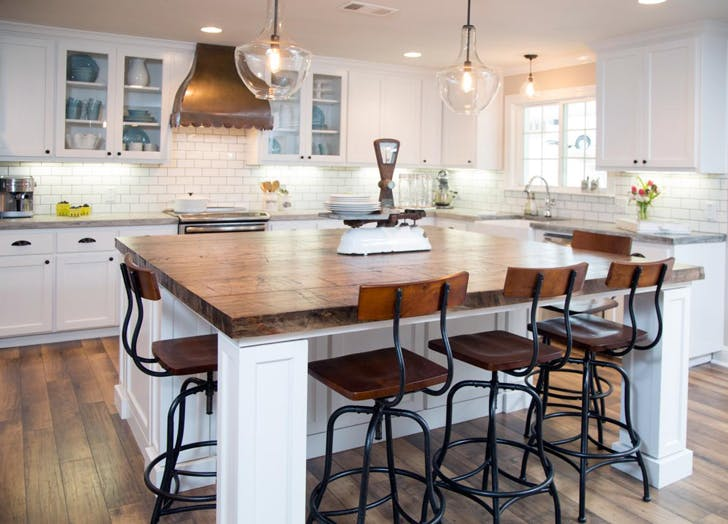 42 Thoughts You've Had Watching Fixer Upper - PureWow
