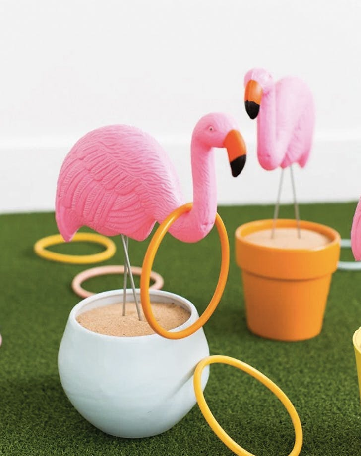 flamingo decor ring toss