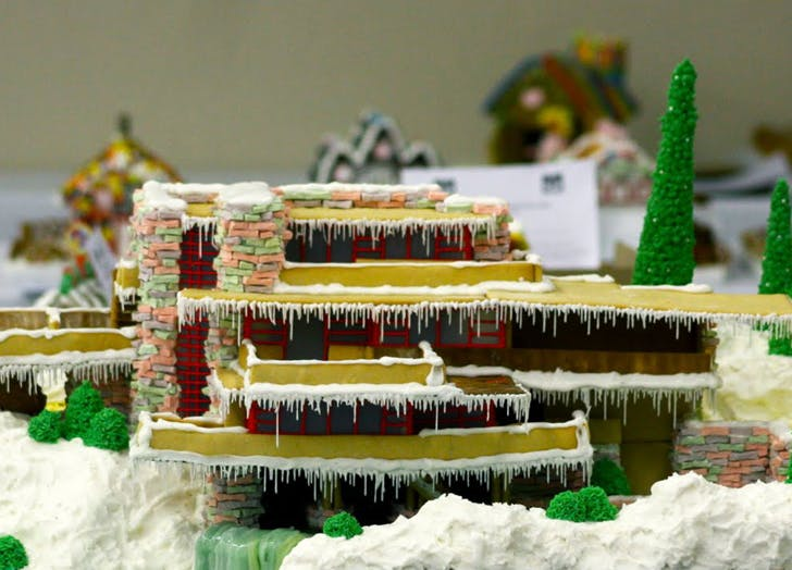 gingerbreadhouse8