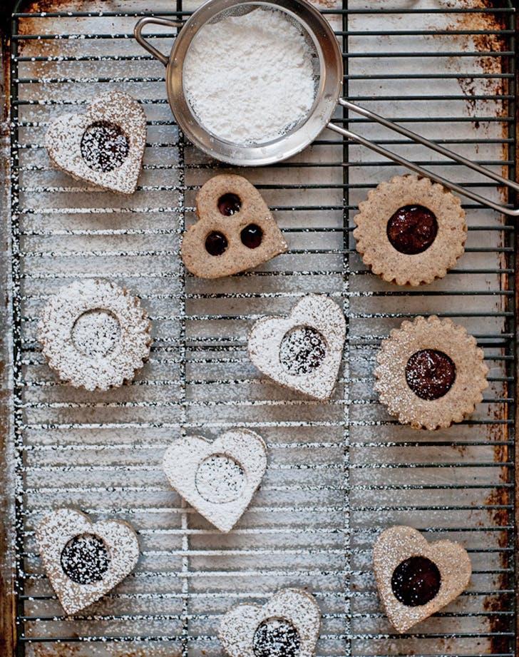 gluten free holiday desserts linzer cookies