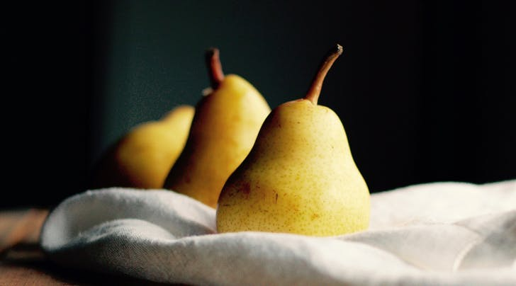 The 5-Second Trick to Picking Out a Ripe Pear