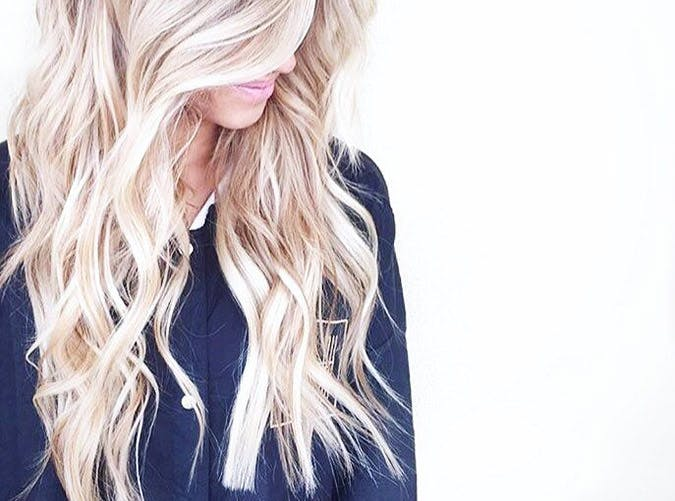 wavy blond hair priv