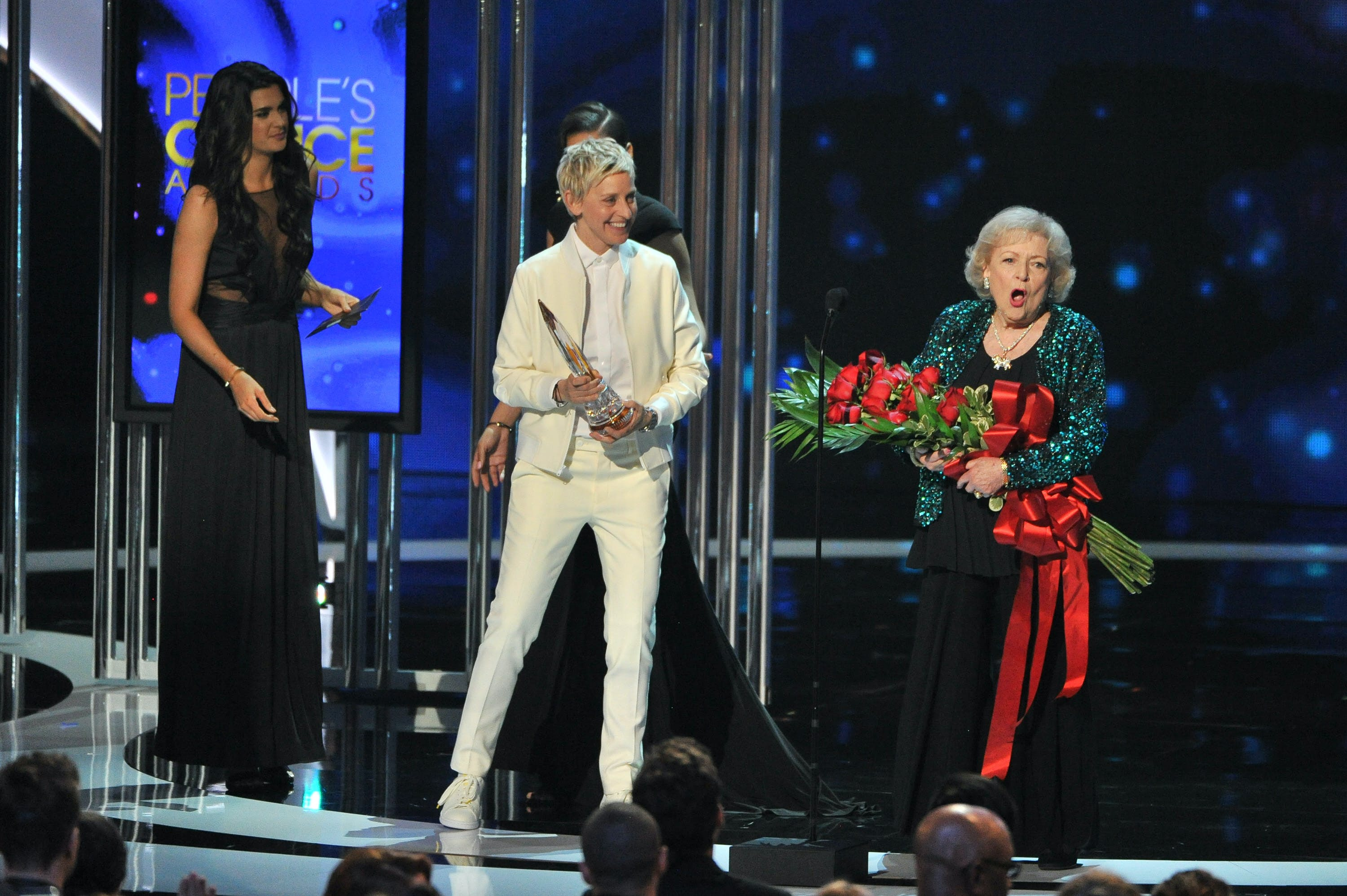 2015 accepting the People s Choice Award for Fav TV Icon  age 93