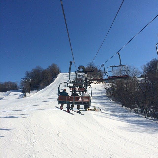 chestnut mountain ski chicago