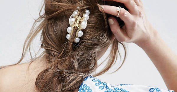claw hair styles 7 easy claw clip hairstyles purewow 8220