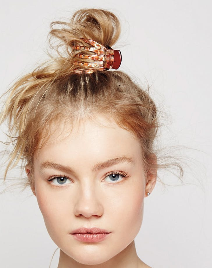 7 Easy Claw Clip Hairstyles Purewow