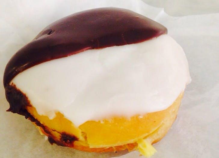 doughnut donut pub black white