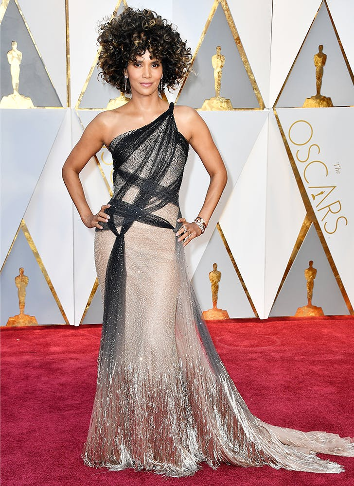 halle berry oscars 2017 cropped