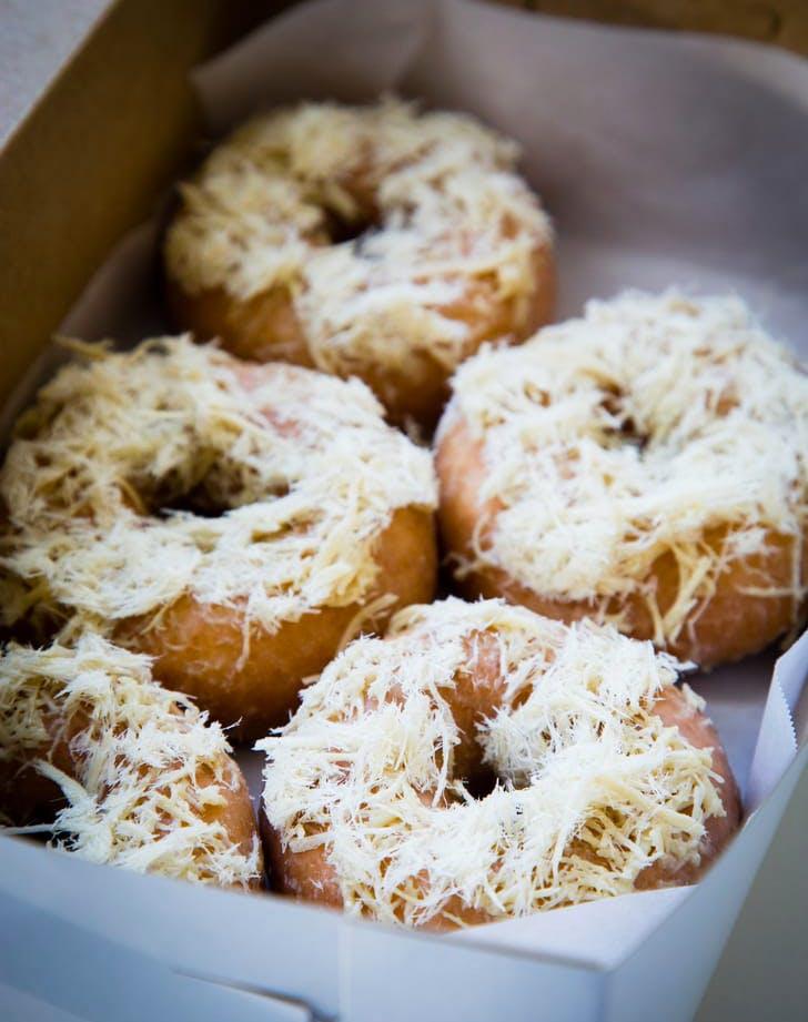 halva underwest doughtnuts