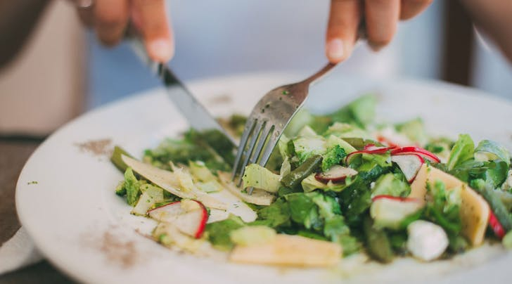 This Restaurant Trick Will Help You Serve the Perfect Salad Every Time