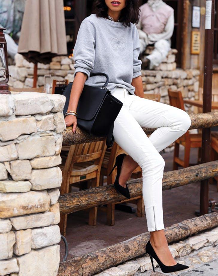 sweatshirt white jeans