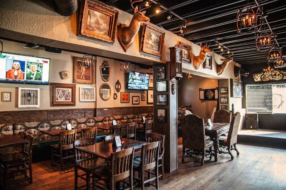 the ivy tavern dallas cozy bars