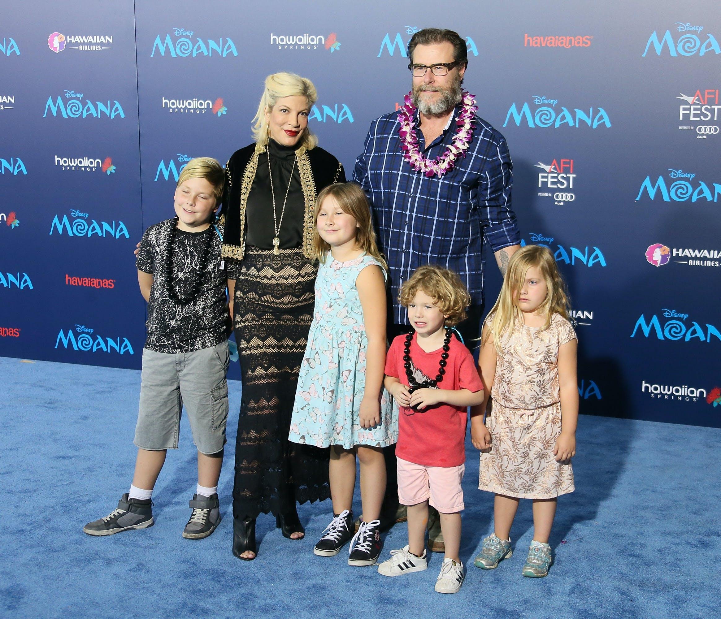 tori spelling dean mcdermott celebtiry babies due in 2017