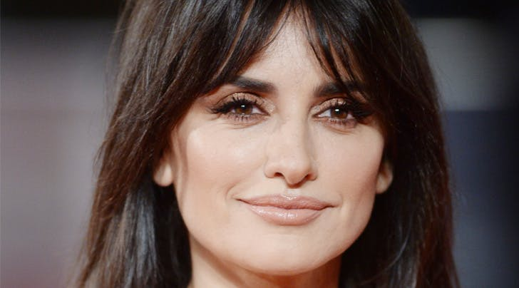 Finally! How to Style Your Bangs So They're Not Weird and Poufy