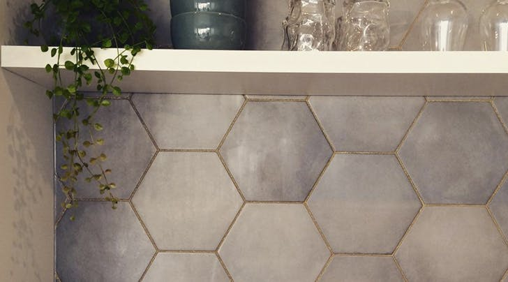 Glitter Grout Is Our New Favorite Kitchen Trend