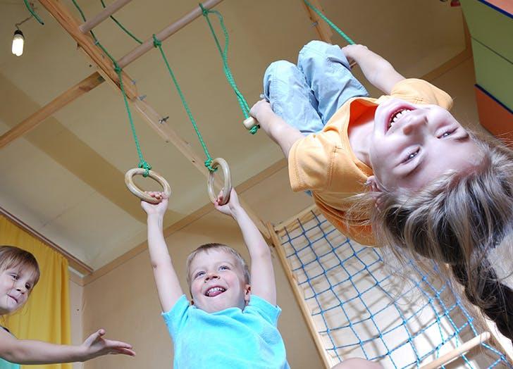 kids birthdat trapeze