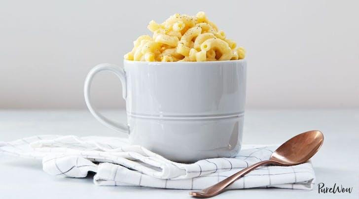 10-Minute Macaroni and Cheese in a Mug