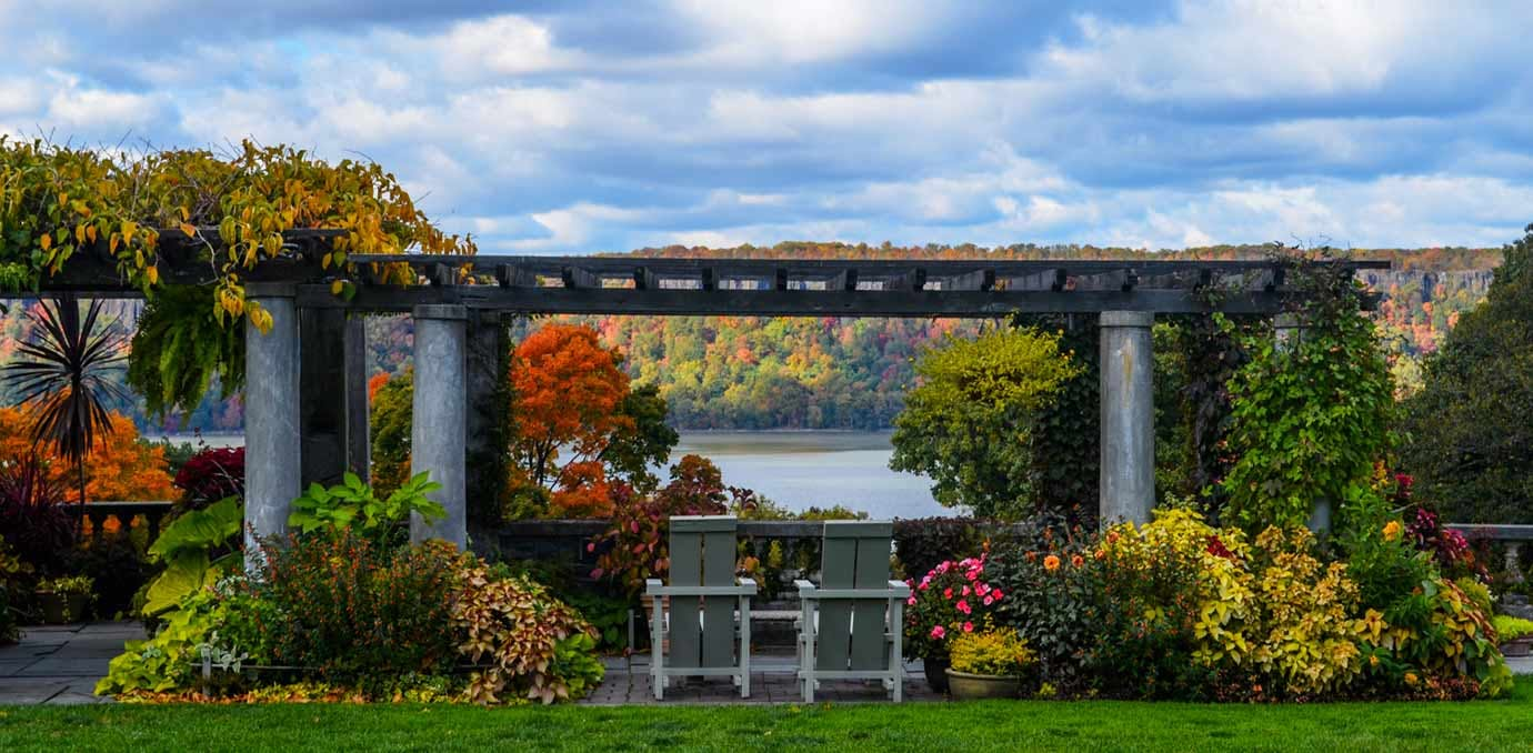 wave hill pergola wedding venues NY