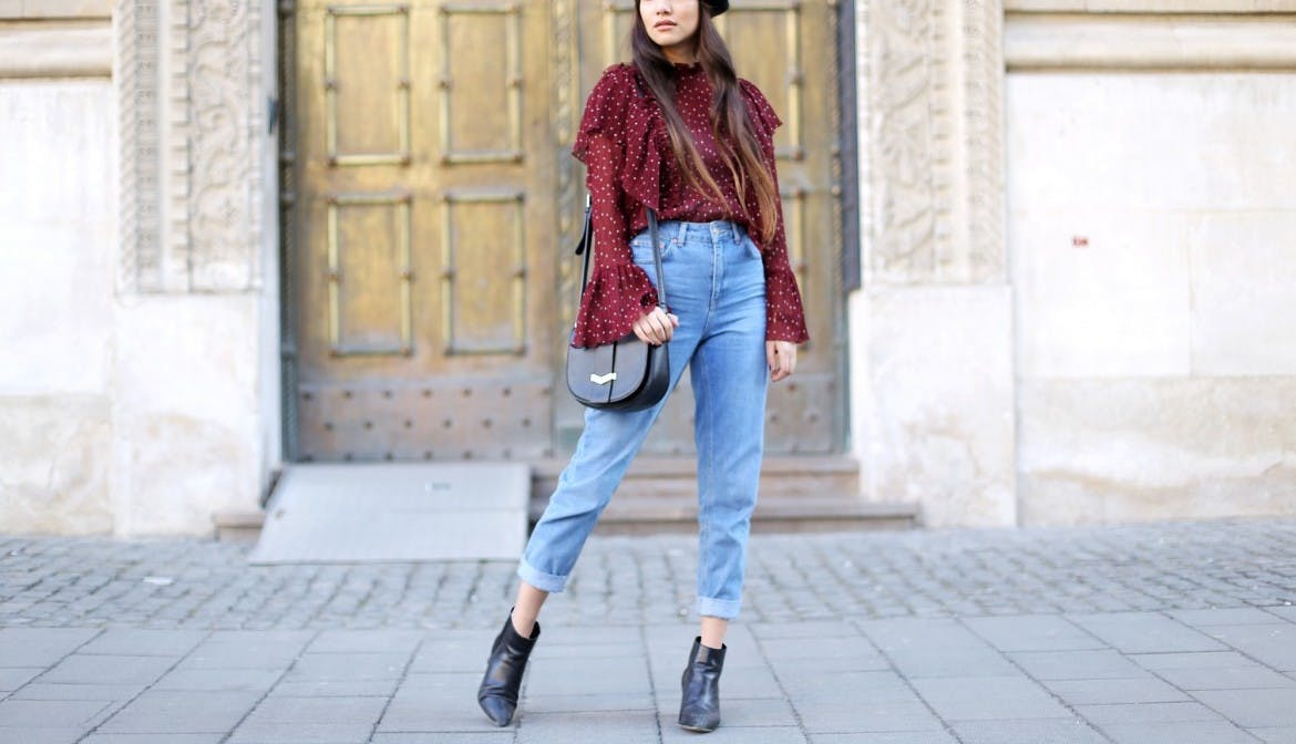 Anoushka_Probyn_mom_jeans_how_to_style.jpg (1170×672)