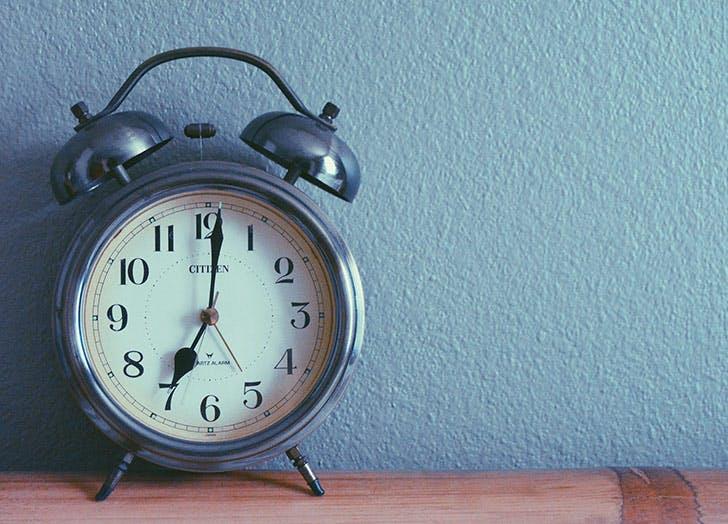 alarm clock 728