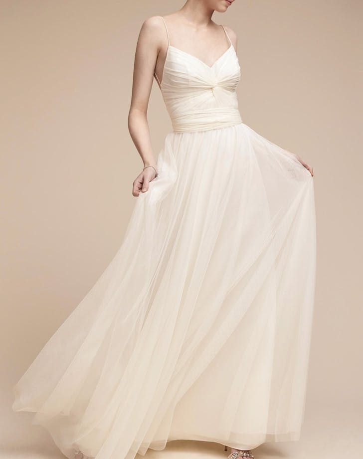 15 Gorgeous Wedding Dresses Under 500