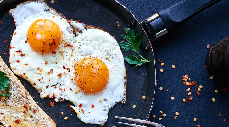 The Foolproof Trick to Making Crispy Fried Eggs