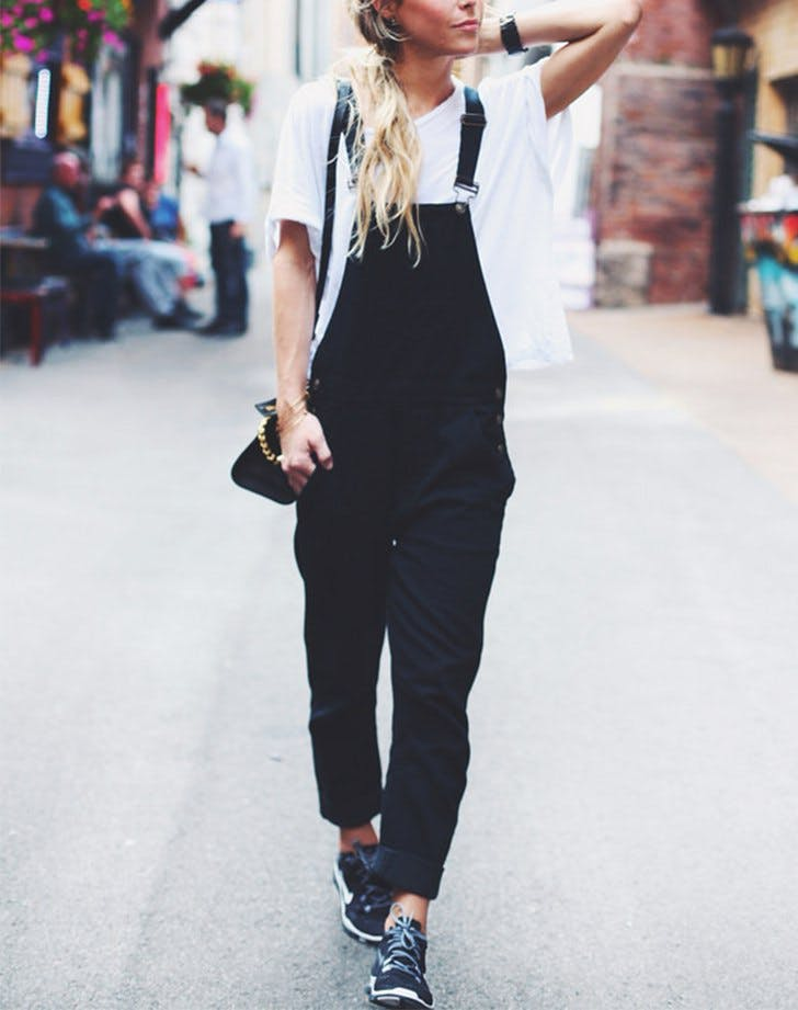 how to wear overalls sneakers