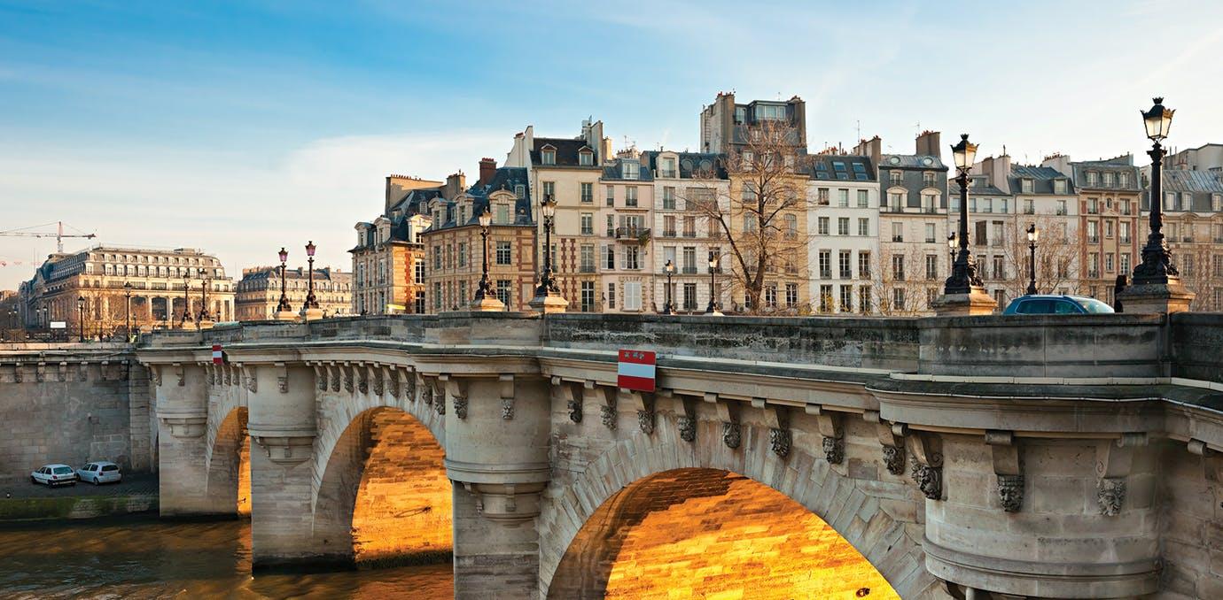 paris budget pont neuf1