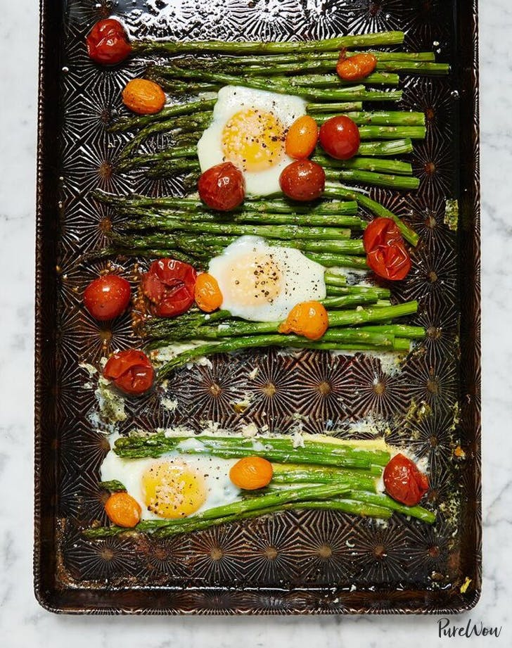 sheet pan eggs with asparagus and tomato LIST