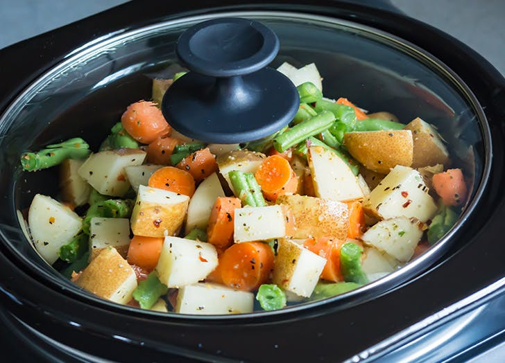 slow cooker mistakes overcrowded