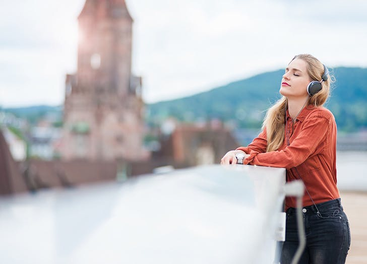 woman headphones 728