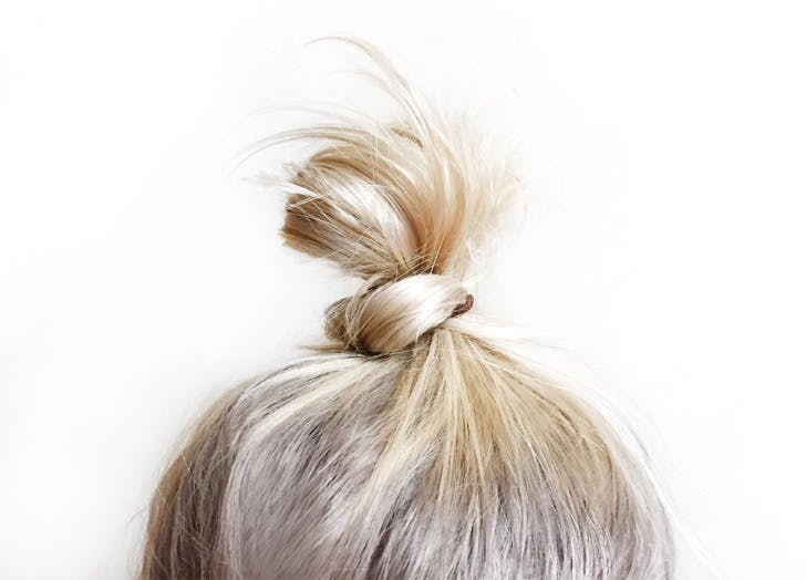 BLONDE HAIR BUN