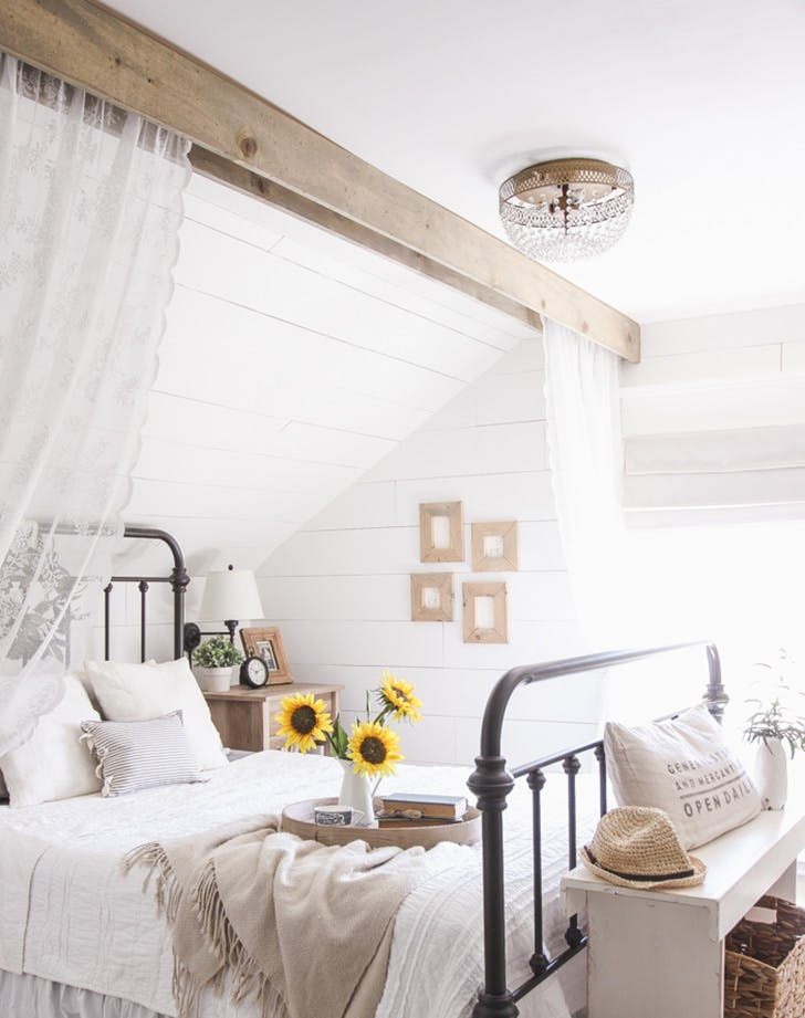10 Rustic Country Bedroom Decor Ideas - PureWow