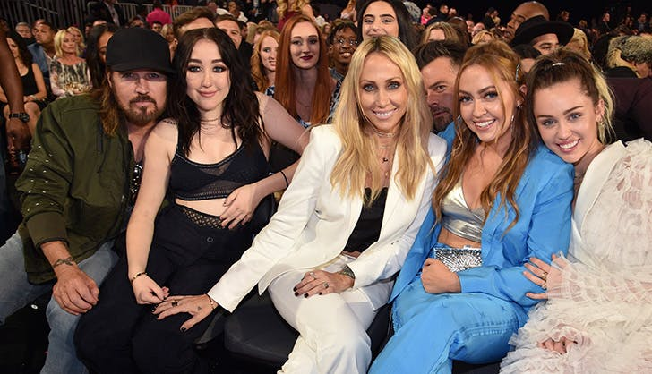Cyrus Family Billboard Music Awards