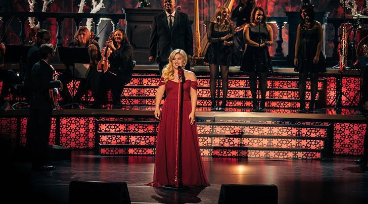 Kelly Clarkson Will Claim a Coveted Big Red Throne on Season 14 of 'The Voice
