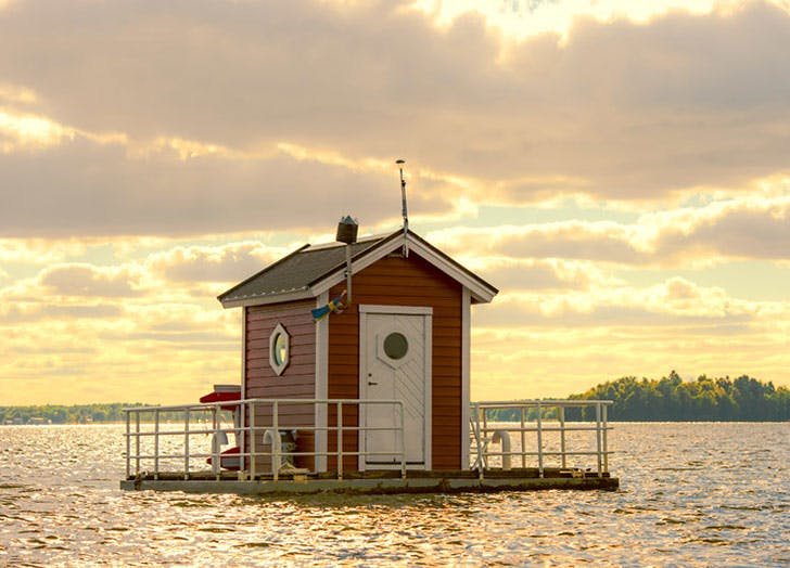 Utter Inn Underwater hotel in Sweden