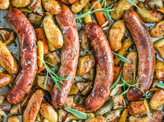 baked sausages with apples and herbs 501
