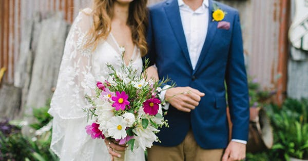 What Flowers Are In Season for Summer Weddings? (So Many, and They're Gorgeous)