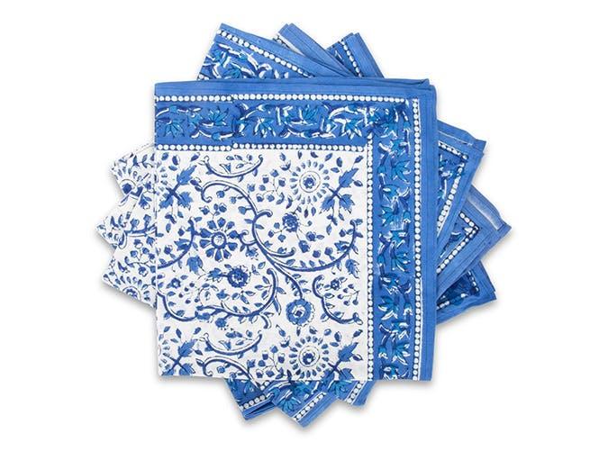 blue floral napkkins