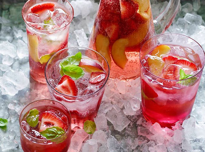 brunch cocktails strawberry sangria