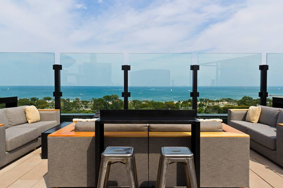 The 15 Best Rooftop Bars and Restaurants in Chicago - PureWow