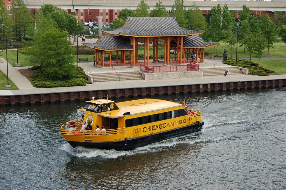 chicago water taxi tourist attractions